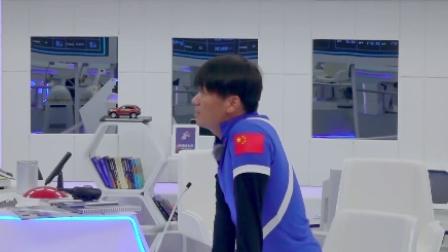 会员版 王宝强唱刘德华冰雨失神 机器人这首歌点到他心坎里去了