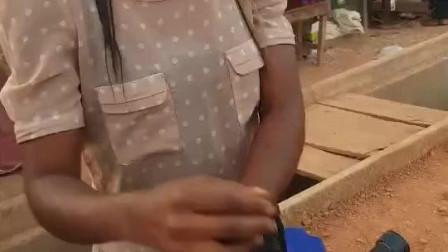 非洲爆米花西施,非常有气质的美女,有想学做爆米花的吗?