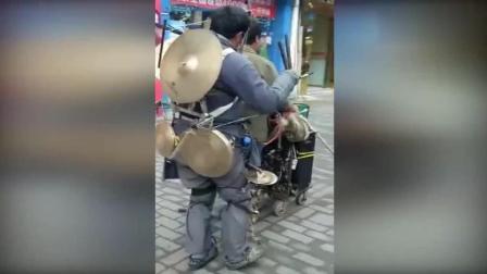 最有才乞丐! 一个人演奏出整个交响乐团