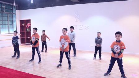 【武冈索尔艺校】2018少儿街舞新生寒假班集训舞蹈展示2