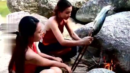 柬埔寨:最美姐妹花穿肚兜野外美食,鱼皮烤糊的味道真香,看的我口水直流