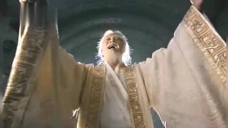始皇帝来到皇陵,大吼一声唤醒所有的士兵,跟我出征!
