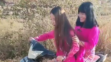 小姐姐骑摩托车去找小哥哥,这么厉害谁敢娶?