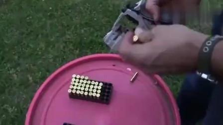 转鼓式左轮手枪最大亮点在枪管下面!你知道是什么吗?