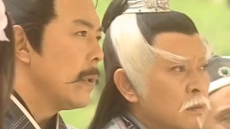 少年单挑武林五大高手,杨逍认出是乾坤大挪移,这人不简单啊