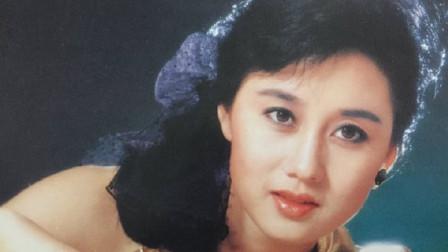 李连杰老婆利智 网友:有容颜有身材有学历