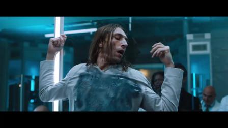 2019漫威新电影,男子得到太空寄生虫,于是找来活人实验,变异成怪物