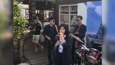 泰国小姐姐翻唱《Shape of You》走红,网友:一开口就被惊艳了,太好听了
