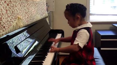 五岁女孩钢琴弹奏《浏阳河》太好听的一首曲子