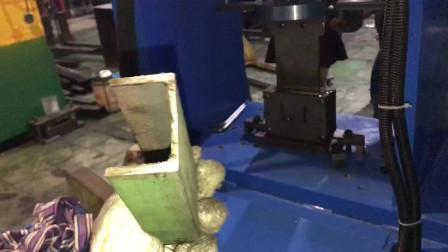 槽钢切断机试机效果展示槽铁冲断模具操作步骤技巧