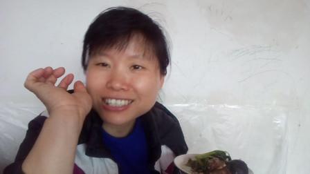 快乐吃播视频 红烧带鱼+红烧豆腐+炒小青菜 边吃边聊短暂停留的两个厨友