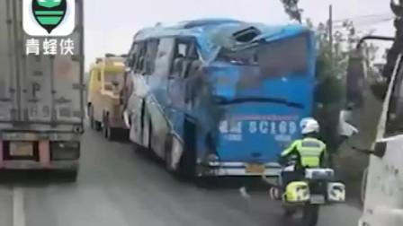 合肥一辆载有49人客车翻车 已导致5人死亡多人受伤