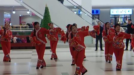 东北松原市江南锦江舞蹈队《大姑娘美大姑娘浪》