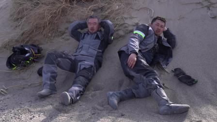 摩托车骑行无人区高温和沙地是对我们最大的威胁,只能前进不能后退,加油!