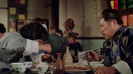 成龙早期代表作,感觉他饿了好几天了,现在的演员演不出这种感觉