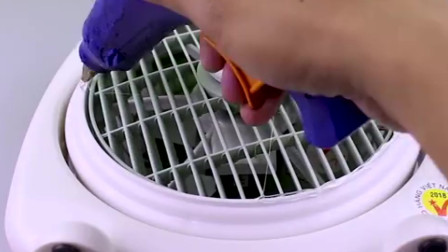 天气渐渐变热了,教你用一个塑料桶把电风扇变成冷风机用