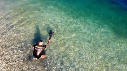 国外钓鱼人钓到大鲤鱼为什么总是放生