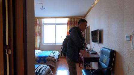 临沂小伙自驾去西藏,今晚住炉霍县,看看今天100元的房间什么样