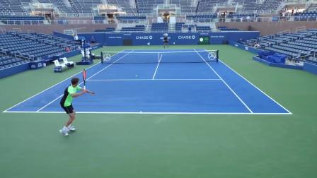 亚历克斯vsATP世界第33网球比赛,球场水平视角直观
