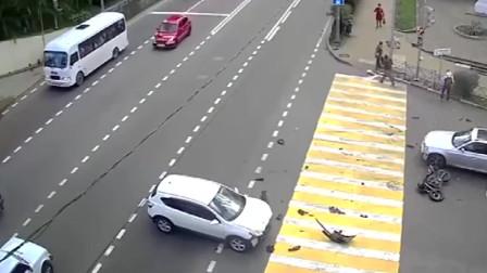 悲剧了,摩托车一路狂飙,谁知遇到这样司机