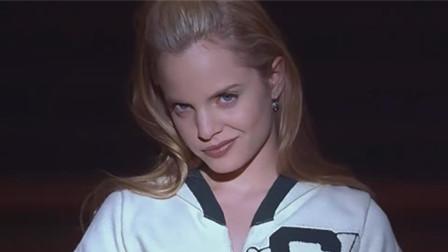 做好女演员要牺牲很多,看过这部电影你就懂了,女主演技真不错!