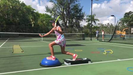 教练亲自手教10岁球员网球练习+步法练习,两者结合,效果更加明显!
