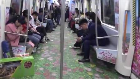 郑州地铁现花海专列,开往春天的地铁!市民争相打卡