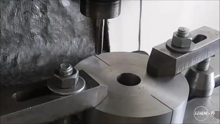 这才叫机械师,一截圆钢加工成四爪卡盘,这手工比买来的成品都好