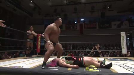 日本男女混合摔跤:小胖妹被男子无情抱摔,小胖妹很坚强的站起来