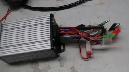 电动车电池超压24伏?师傅现场解答,网友:八成要换控制器