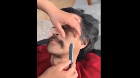 流浪大师 沈巍:逛完书店后,终于去理发店打理头发和胡子!