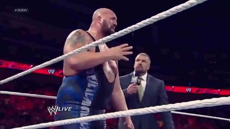 WWE:高层威胁大秀哥打丹尼尔,大秀哥痛哭撕心裂肺!
