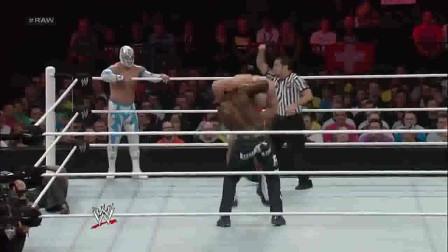 WWE:第一次见这位黑人选手,还赢了比赛,就是招式太招笑!