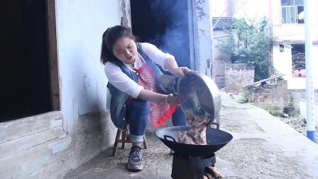 3斤五花肉,3两糍粑辣,3两干辣椒,这样炒一锅,吃起来真过瘾