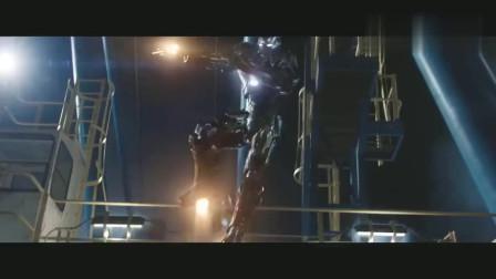托尼叫钢铁战甲来接自己 结果还没穿上就被打烂 托尼差点被摔死