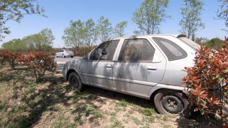 路过西安周至县,看看路边被人遗弃的汽车,怎么就没人要了呢