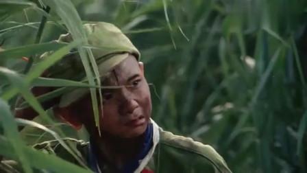 三毛从军记:三毛被螃蟹夹到,差点被鬼子发现,真是太惊险了!