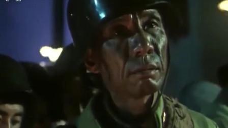 三毛从军记:三毛部队节节败退,首长让士兵们抽签组建敢死队