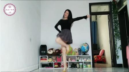 喜欢广场舞的看过来,人好看舞也美,一起来跳哦!