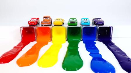 汽车总动员,喷涂不同颜色的小轿车和赛车