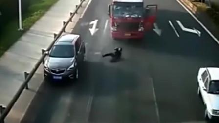 货车司机被撞直呼冤枉,交警来到现场:错在哪你自己不知道吗?