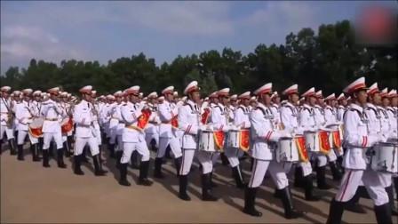 """被网友称为""""没吃饱饭""""的越南士兵分列式阅兵,大家觉得怎么样"""