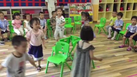 凯希幼儿精彩视频——抢凳子游戏
