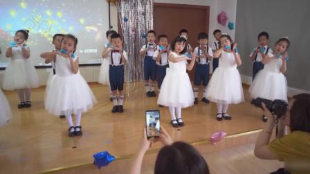 《星星点点萤火虫》幼儿园毕业典礼 舞蹈