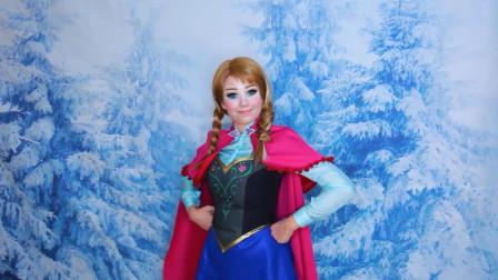 国外时尚美妆:小姐姐把自己美妆成冰雪奇缘中的角色,你们猜猜是谁