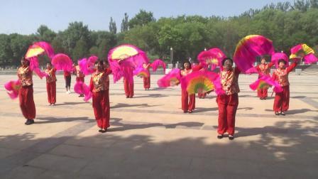 中国歌最美 群英广场舞表演队