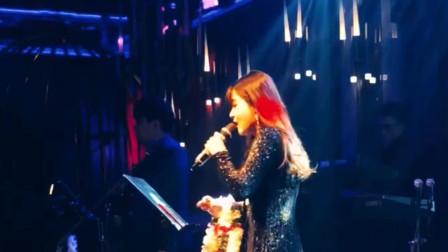 酒吧歌手翻唱《光年之外》如此唱歌第一次见,嗓音太厉害不输原唱