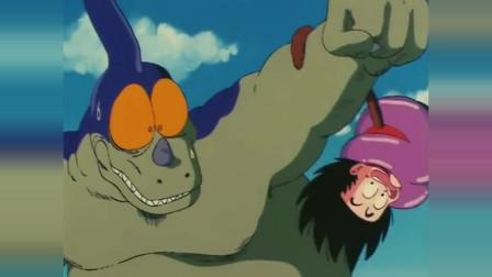 龙珠:悟空长出尾巴后力量暴涨,直接把对手吓的投降了!