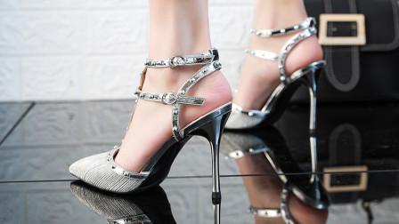 炎炎夏日,这种镶钻的高跟凉鞋,已经成为了夏日街头的标配!