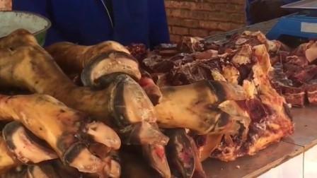 在非洲这样的肉摊随处可见,看到这一幕,网友:不敢买
